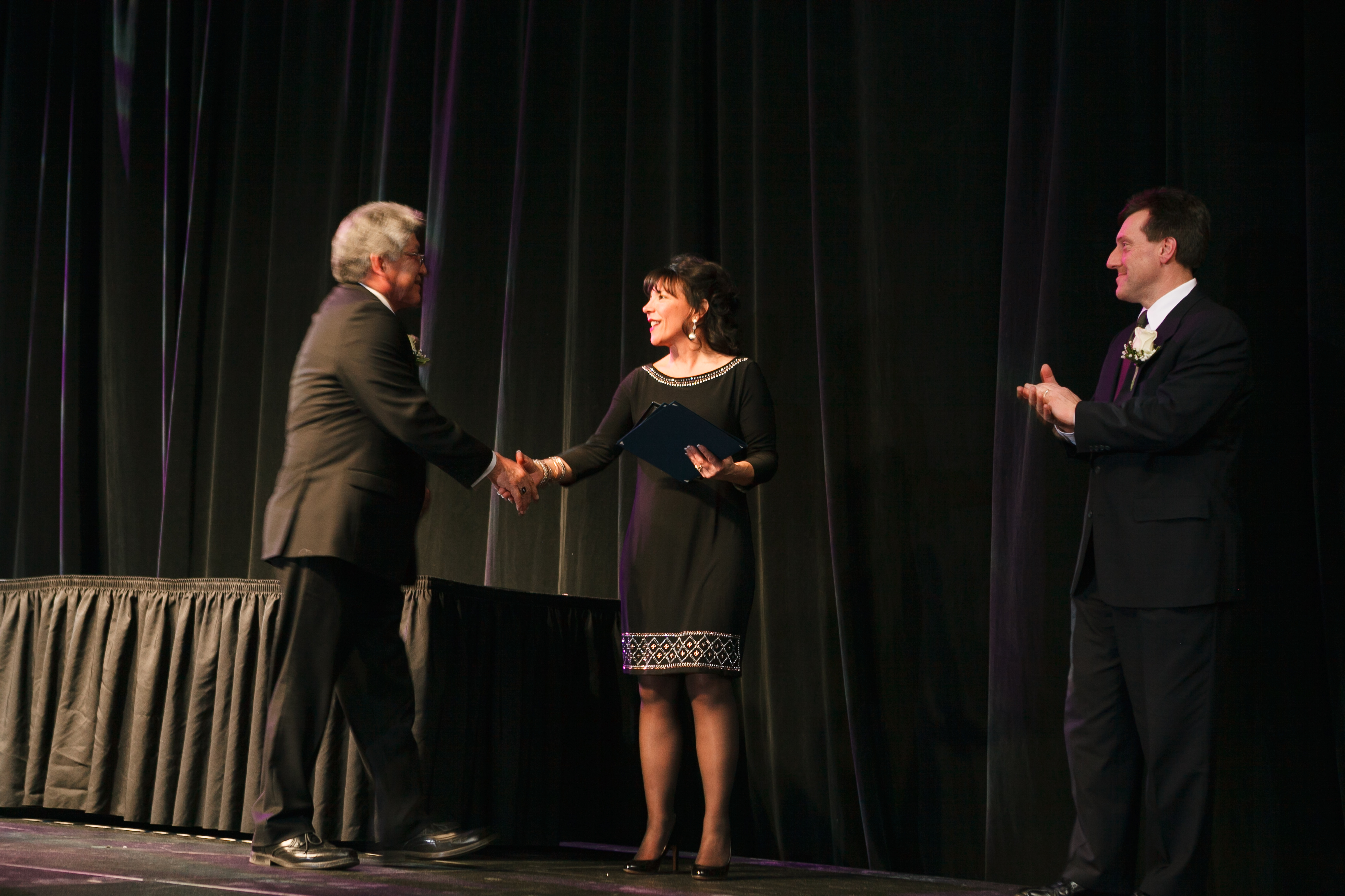 Dale Snyder accepts Green Manufacturing Award from Niagara USA Chamber President & CEO Deanna Alterio Brennen & National Grid Manager, Customer & Community Management Ken Kujawa