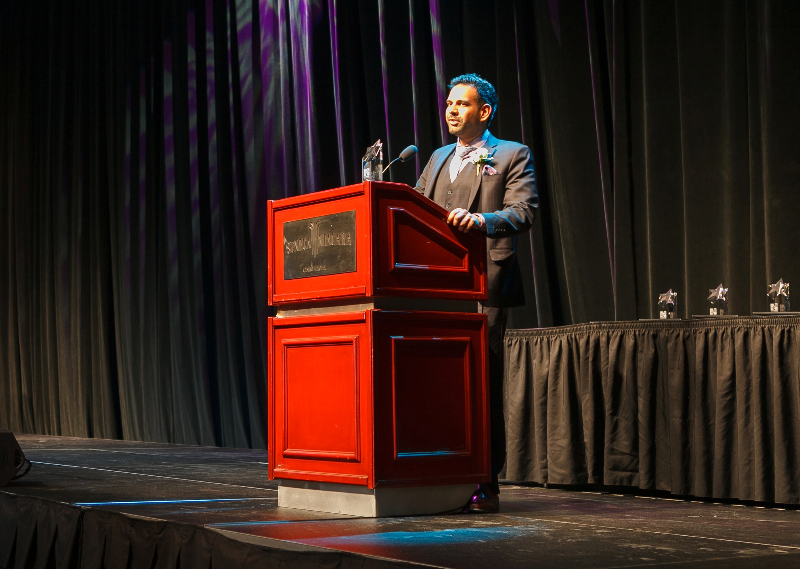 Faisal Merani accepts honor of 2015 Business Person of the Year